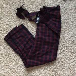 NWT Boohoo Plaid Woven Tapered Trousers